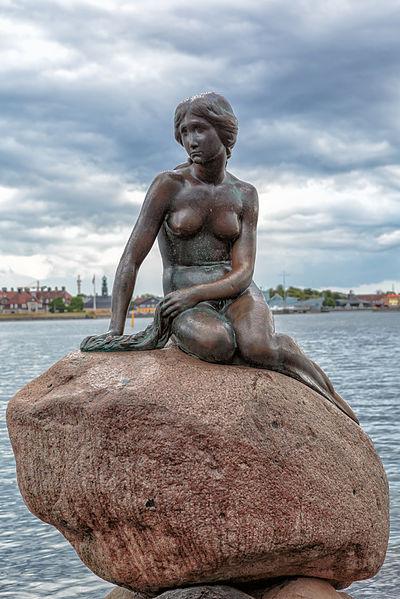 Copenhagen_-_the_little_mermaid_statue_-_2013